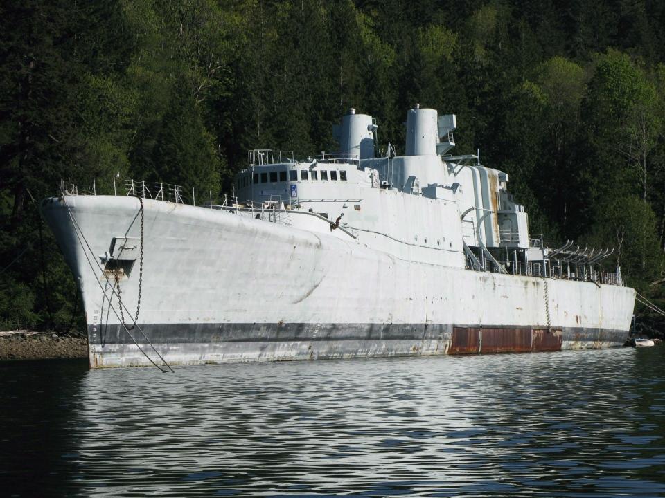 Hmcs Annapolis Sunk Off B C Coast To Create Artificial