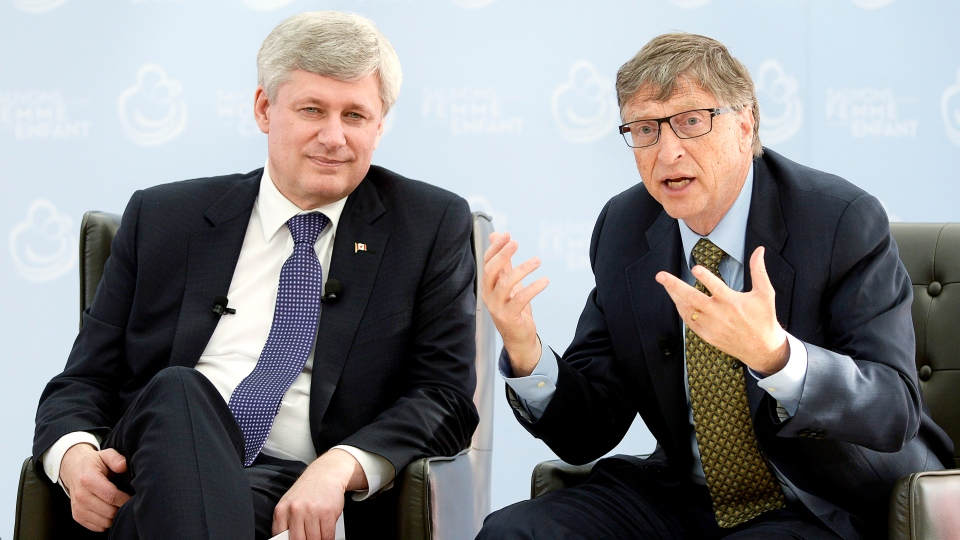 Prime Minister Stephen Harper meets with Bill Gates in Ottawa on Wednesday, Feb. 25, 2015. (Adrian Wyld / THE CANADIAN PRESS)