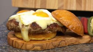 Canada AM: Cooking a mega burger