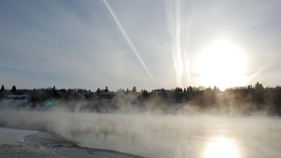 Steam rises above the South Saskatchewan River in Saskatoon on a cold February 2015 day. (Kevin Menz/CTV Saskatoon)
