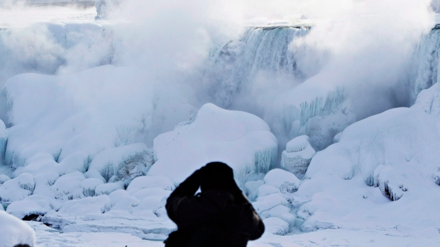 Winter hiking: How non-daredevils can see Canada's frozen falls