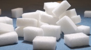 New WHO guidelines recommend significantly slashing sugar intake. (Loris Eichenberger / shutterstock.com)