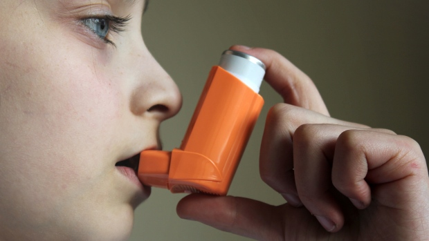 old style Asthma puffer