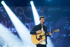 Shawn Mendes performs at 2015 Junos