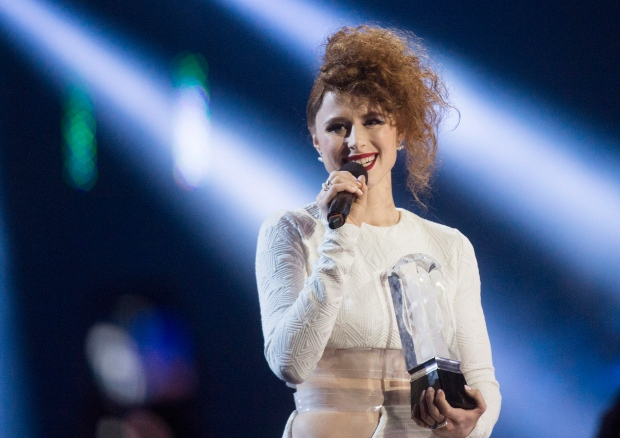 Kiesza receives Juno Award
