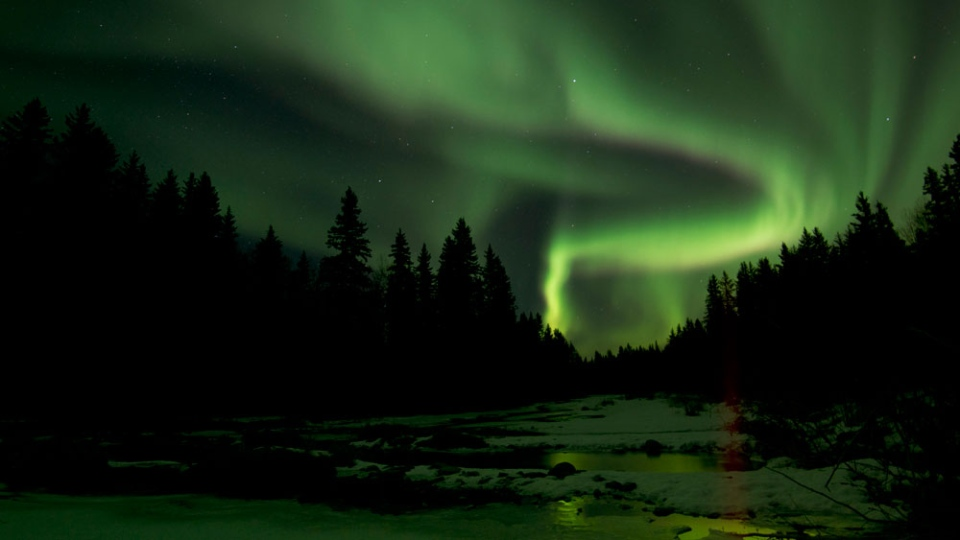 Aurora Borealis Lights Up Skies Across Canada Ctv News