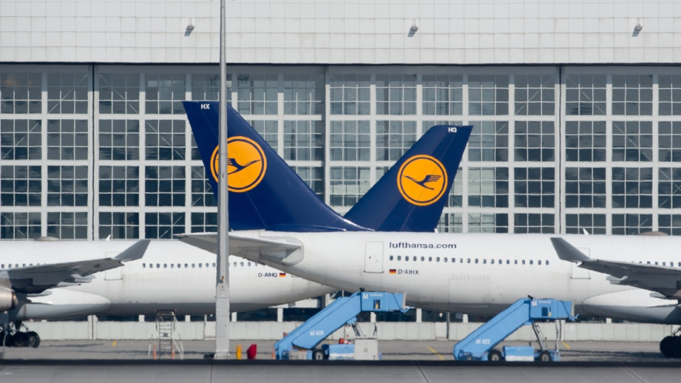 Lufthansa planes park at the airport in Munich, Germany, on March 19, 2015. (AP / dpa, Sven Hoppe)