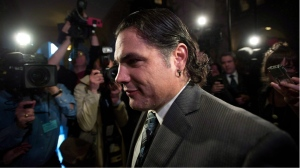 Sen. Patrick Brazeau arrives at the Senate on Parliament Hill in Ottawa on Oct 28, 2013. (Sean Kilpatrick / THE CANADIAN PRESS)