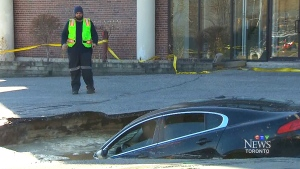 CTV Toronto: Luxury car ruined by sinkhole