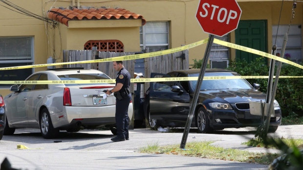 Police tightlipped on apparent drug deal in Miami