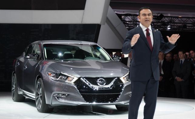 Nissan CEO Carlos Ghosn presents the 2016 Nissan Maxima (photo: Jerrold Litwinenko/Autofocus.ca)