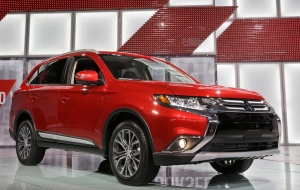 The Mitsubishi Outlander is presented at the New York International Auto Show on April 2, 2015, in New York. (Mary Altaffer / AP Photo)