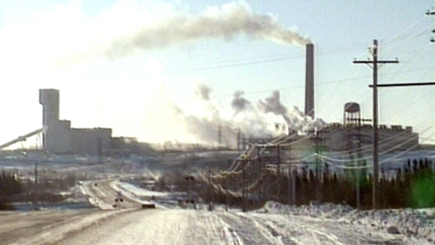 Manitoba Miners Forced To Seek Refuge From Fire Back At