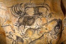 France recreates prehistoric cave paintings