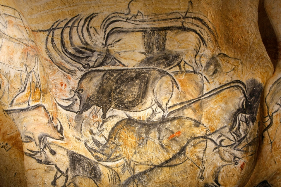 France recreates prehistoric paintings from disputed Chauvet Cave ...