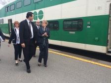 Barrie Mayor Jeff Lehman welcomes Premier Wynne