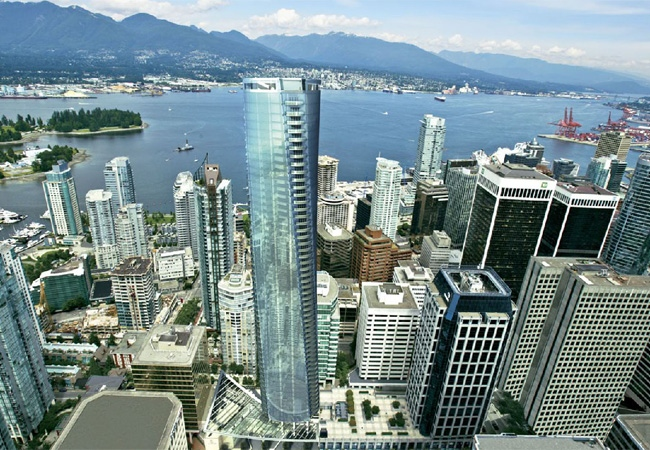Work has stopped at a high rise project in downtown Vancouver that was supposed to be home to the Ritz Carlton hotel. Oct. 21, 2008. (Photo credit Rennie Marketing Systems)