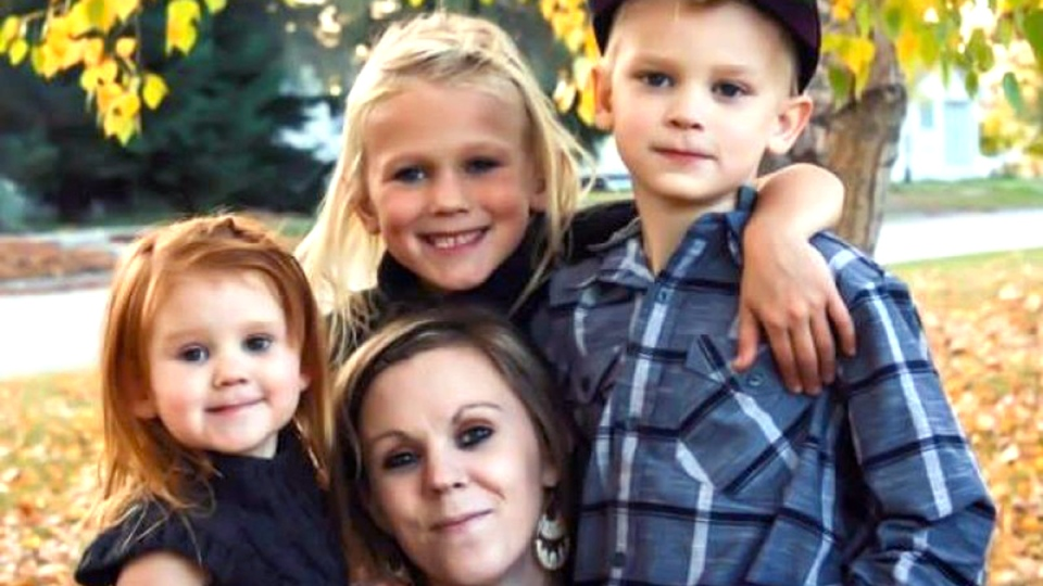 Mother, 3 children found dead in Tisdale, Sask.; suspect ...
