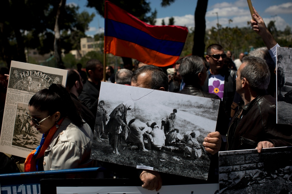 Armenians demonstrate