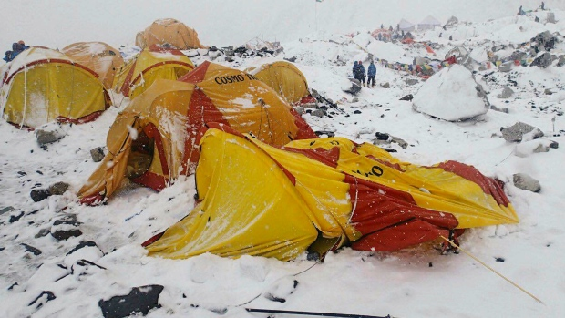 Nepal earthquake on Everest
