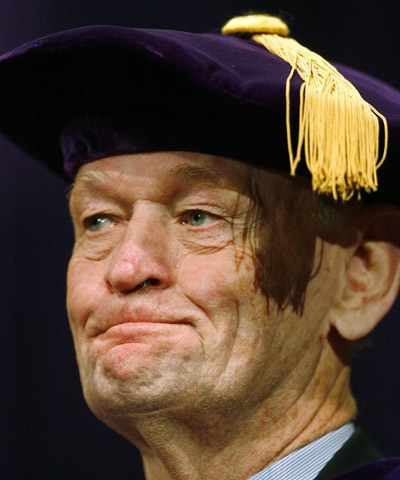 Former prime minister Jean Chretien receives an honorary doctor of laws degree from the University of Western Ontario in London, Ont., Thursday, October. 23, 2008. (THE CANADIAN PRESS/ Dave Chidley)