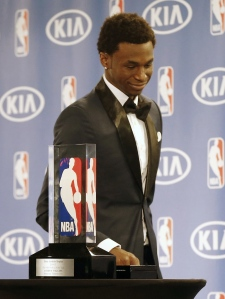 Andrew Wiggins wins Rookie of the Year