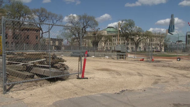 Friends of Upper Fort Garry want to build a gravel parking lot surrounded by a wooden fence.