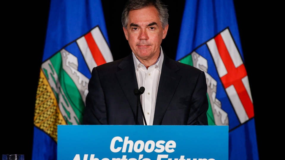 Alberta PC Party leader Jim Prentice speaks to party faithful in Calgary, Tuesday, May 5, 2015. (Jeff McIntosh / THE CANADIAN PRESS)