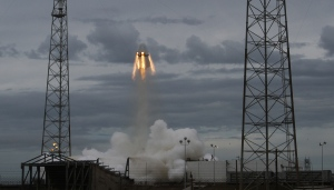 SpaceX crew capsule soars with dummy aboard