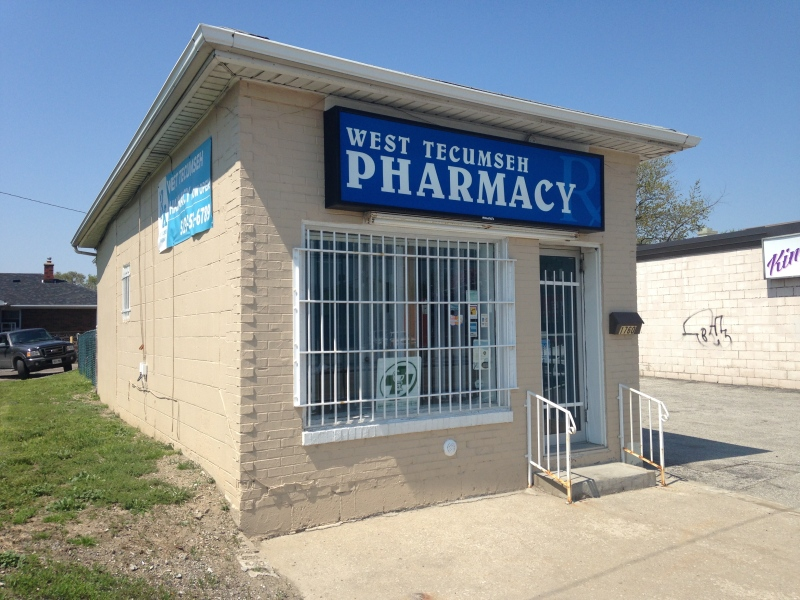 Windsor police are investigating an armed robbery at a pharmacy on Tecumseh Road in Windsor, Ont., on Thursday, May 7, 2015. (Chris Campbell / CTV Windsor)