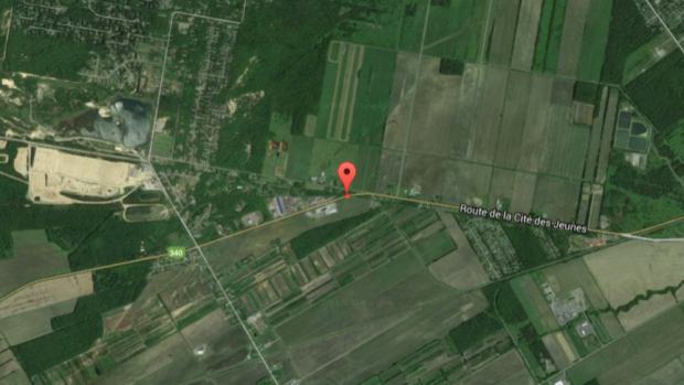 Plane crashes in St. Lazare