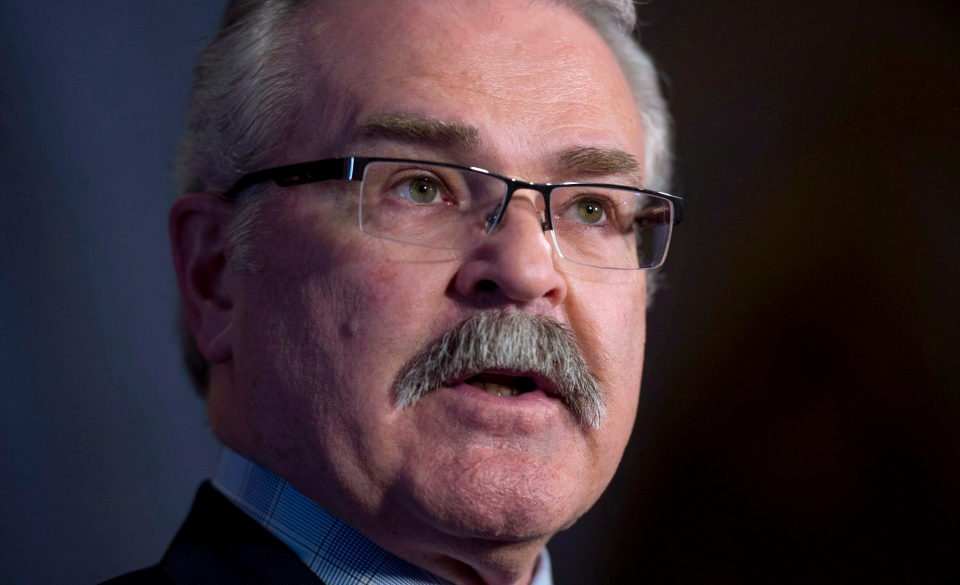 Gerry Ritz in the foyer of the House of Commons, Wednesday, March 26, 2014 in Ottawa. (Adrian Wyld / THE CANADIAN PRESS)