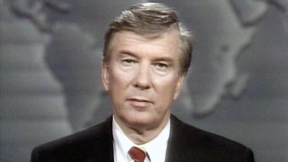 Then-CTV anchor Lloyd Robertson in an interview with Rick Hansen in 1987.