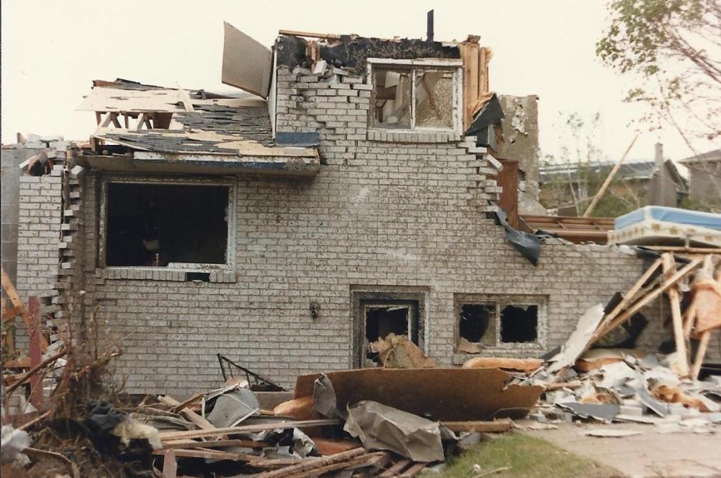 Barrie Tornado in 1985 on May 31st     #9h Innisfil Street In Allandale.jpg