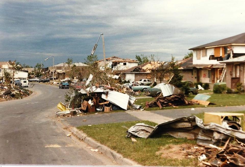 Barrie Tornado in 1985 on May 31st     #9a Allandale.jpg