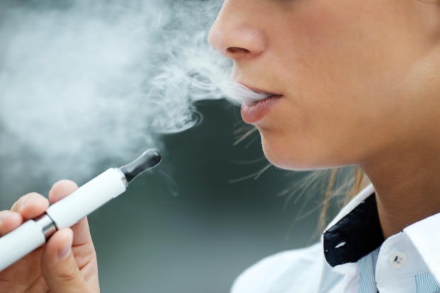 E-cigarette vapour contains potentially dangerous free radicals