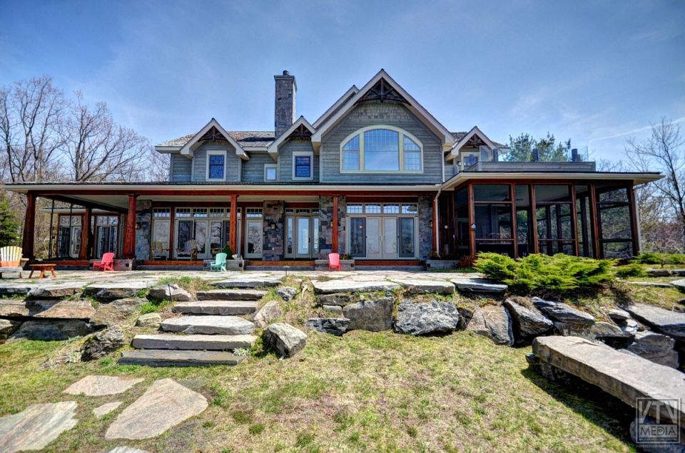Photos homes of the month the luxury market of muskoka for Houses for sale under 5000 dollars