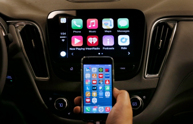 Chevy Malibu equipped with Apple CarPlay apps