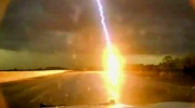 Caught on cam: Powerful lightning strike