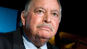 Former Parti Quebecois leader Jacques Parizeau speaks to a crowd in Montreal on Monday August 14, 2006. (David Boily / THE CANADIAN PRESS)