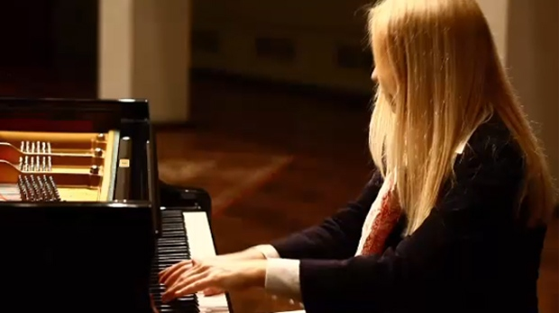 Pianist Valentina Lisitsa is scheduled to perform at the Jack Singer Concert Hall on June 5 & 6 (YouTube/Valentina Lisitsa)