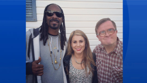 Ana hangs out with Snoop and Bubbles.