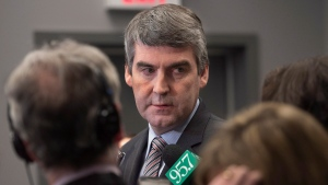 N.S. Premier Stephen McNeil fields in Halifax on Jan. 7, 2015. (Andrew Vaughan / THE CANADIAN PRESS)