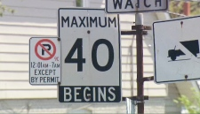 A 40 km/h sign