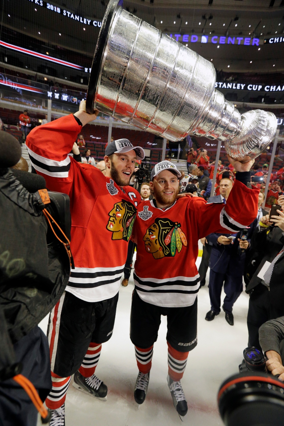 Blackhawks win the Stanley Cup photos details