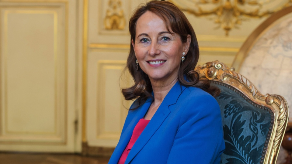 France's Environment Minister Segolene Royal poses for photographs during an interview with The Associated Press in Paris, France, Friday, May 30, 2015. (AP / Kamil Zihnioglu)