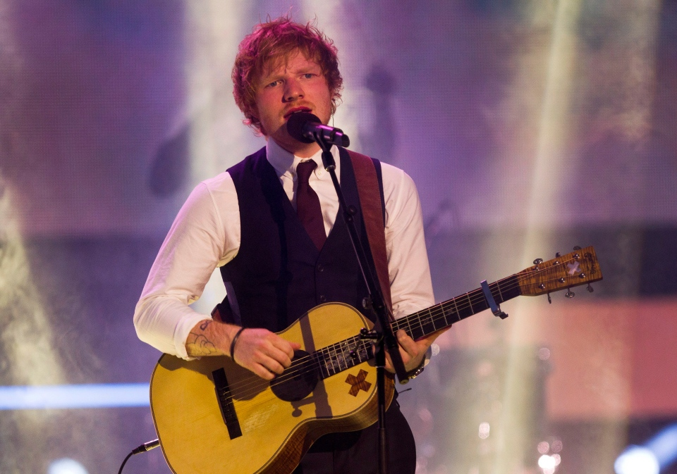 Ed Sheeran sings at the 2015 MuchMusic Video Awards in Toronto on Sunday, June 21, 2015. (Chris Young / THE CANADIAN PRESS)