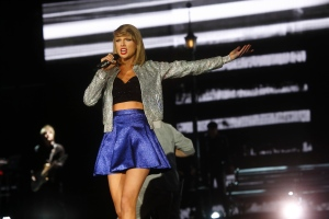 In this May 15, 2015 file photo, Taylor Swift performs at Rock in Rio USA at the MGM Resorts Festival Grounds in Las Vegas. (Photo by John Davisson/Invision/AP, File)