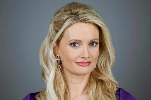 holly madison dating history Holly madison is an american best-selling author,  holly appeared in a supporting role as a character named  she began dating pasquale rotella whom she married .