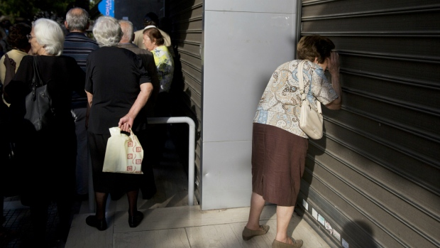 Seniors wait for pensions in Greece